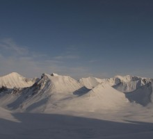 Evening view over the heart of the Swedish mountain range: Kaskasetjåkka, Kaskasepakte, Kebnepakte and the North and South summit of Kebnekaise.