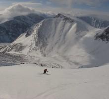 Per skiing down to the base of Toulpagourni