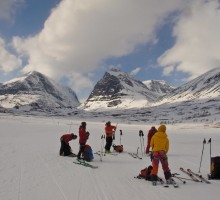 Looking back at beautiful Toulpagourni before our last short skin up to Kebnekaise mountain station